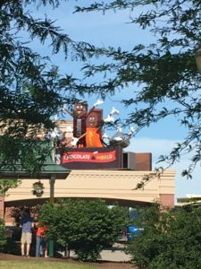 Hersheypark - A Sweet Vacation Destination -- Don't miss out on any of the fun during your visit to Hersheypark | www.alwaysmovingmommy.com