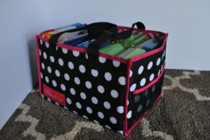 Road Trip Packing Tips -- Tips for not overpacking and keeping the kids busy during road trips | www.alwaysmovingmommy.com