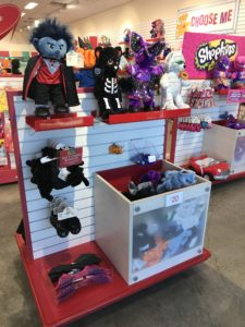 Quick and Easy Halloween Touches | AlwaysMovingMommy.com | Need some last minute Halloween touches for your costume or home? Tanger Outlets can help you. #Ad #Halloween #DIYHalloween