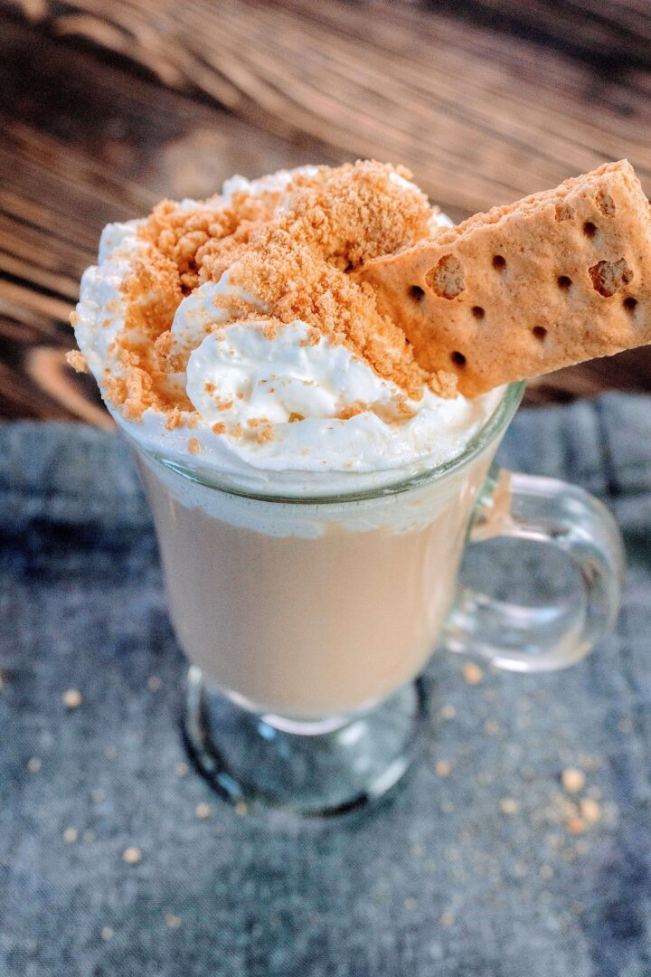 How to make a graham cracker latte at home